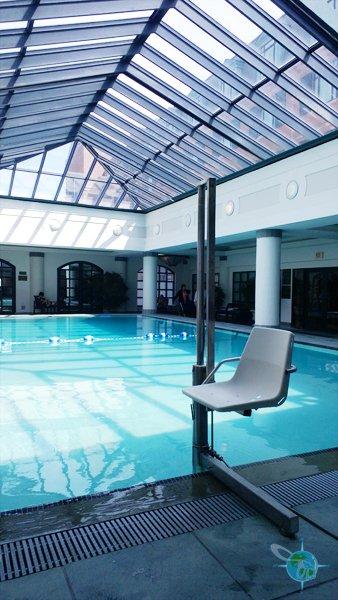 charleston_place_pool
