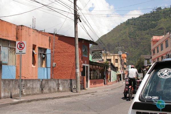 ecuador_streets_banos_2