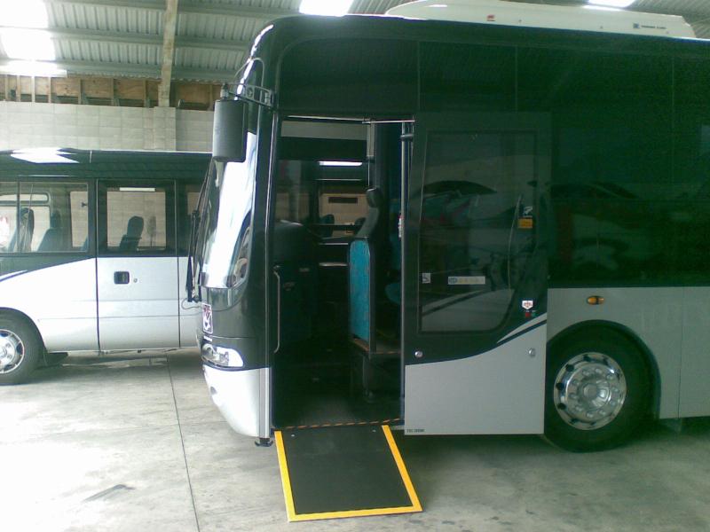 luxury-coach-access-image