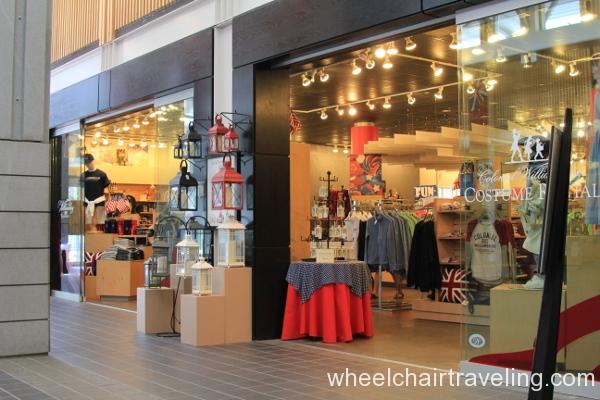 05 Visitor Center Gift Shop