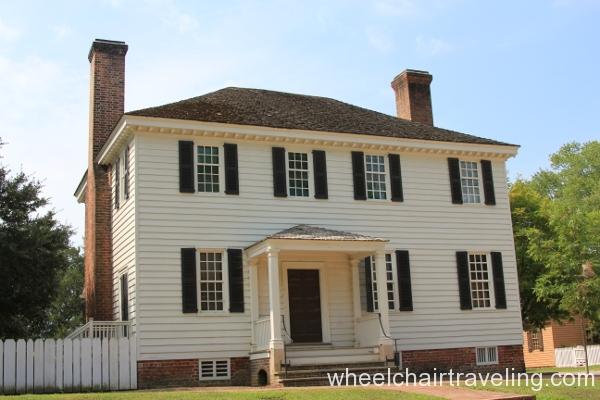 20 House on Duke of Gloucester St