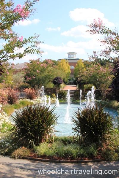 14_Dancing Fountain