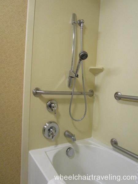 09 Hampton Bathroom