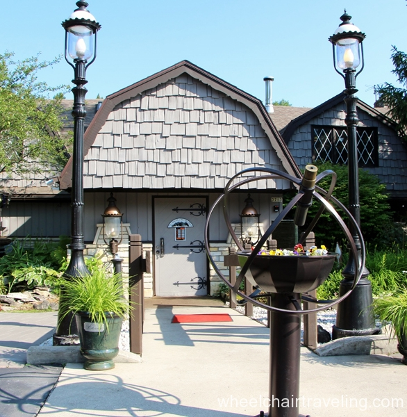 small_Old English Inn Restaurant