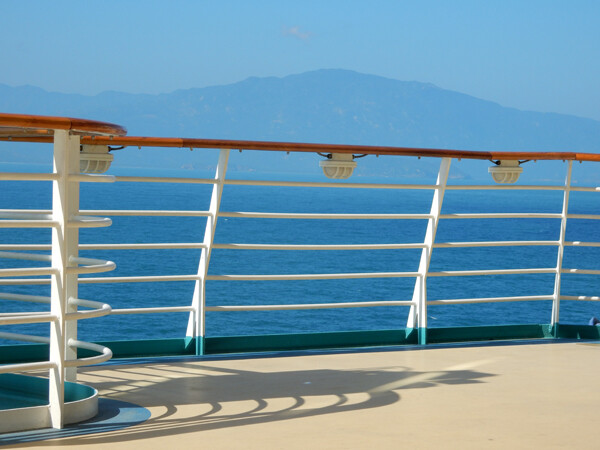 Why Take a Cruise? Travel Agent's Advice