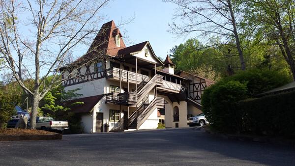 Helen, Georgia: Helendorf River Inn